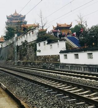 中国铁建完成武汉首例地铁掘进数码爆破