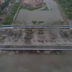 自由大桥今日凌晨爆破